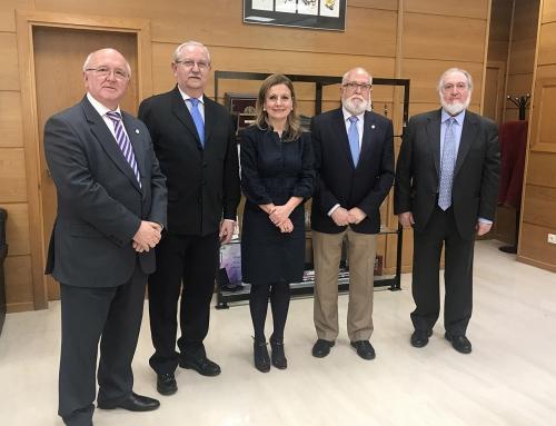 La Atención Primaria, tema central de una reunión entre el CACM y la consejera de salud andaluza