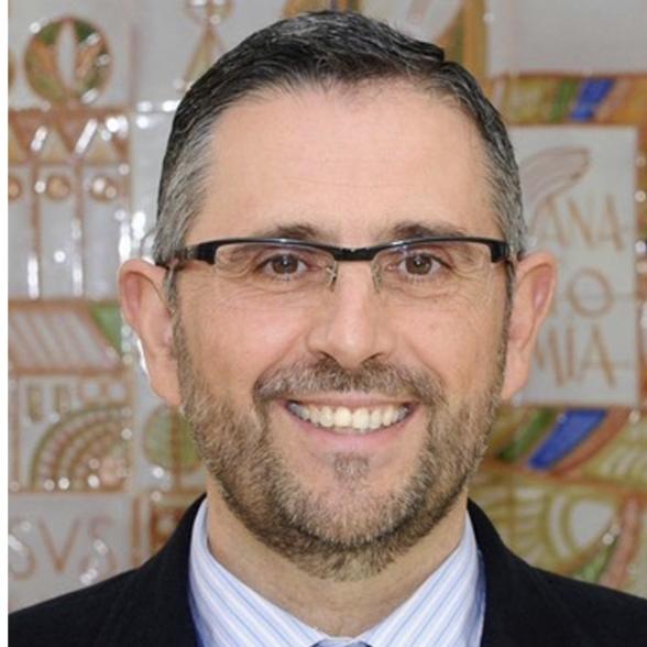 Dr. D. Eloy Girela López